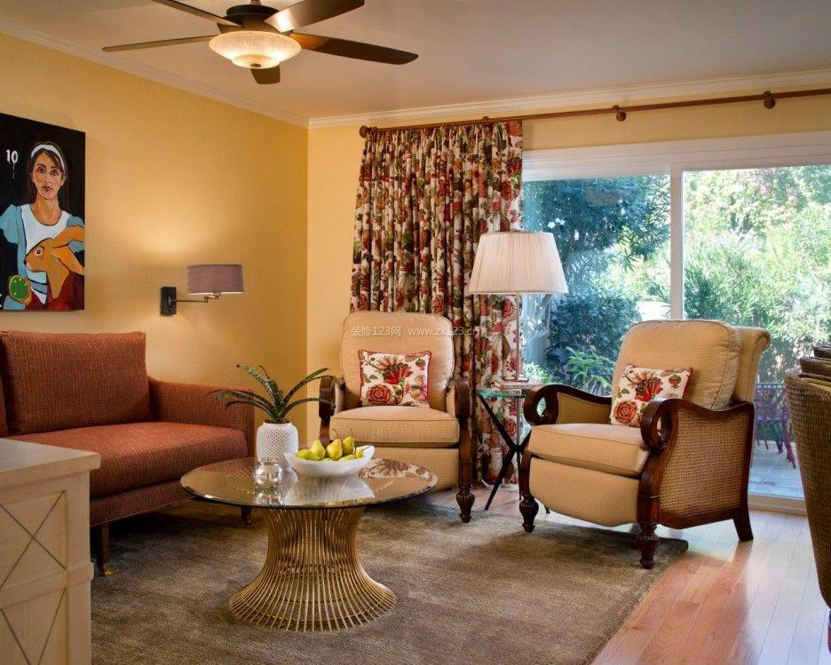 小户型客厅印花窗帘装修样板间效果图片