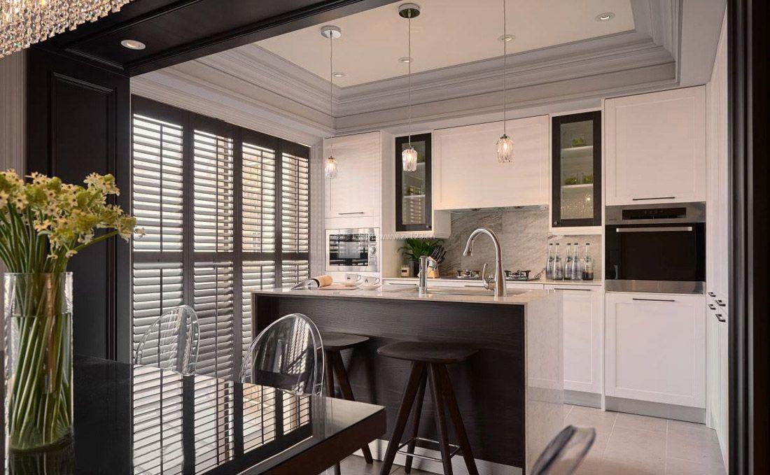 现代厨房橱柜中岛装修设计效果图片