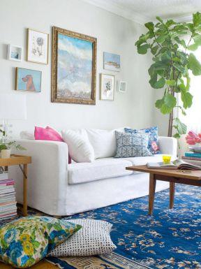 80平方三居室 客廳地毯圖片