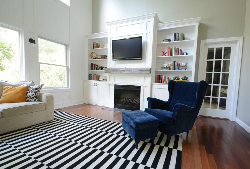 现代简欧客厅电视背景墙柜子组合