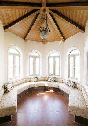 顶楼阁楼装修效果图 木质吊顶装修效果图片