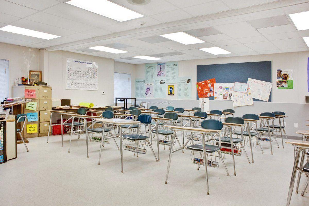 现代培训学校教室集成吊顶灯装修效果图片