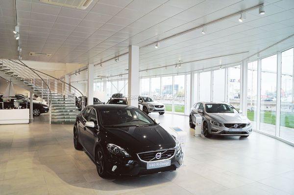 大型汽车店展厅装修效果图-合肥汽车店内如何装修 汽车店装修注意事项