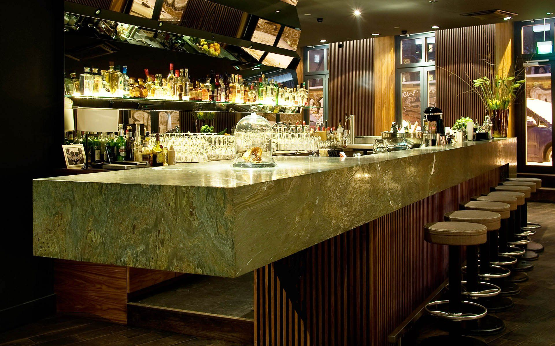 特色酒吧吧台酒架设计图片图片