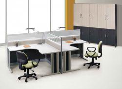 辦公室簡裝修隔斷式辦公桌效果