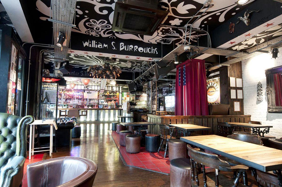 主题酒吧室内天花板装修效果图片