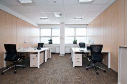 白色現代小型辦公室裝潢效果圖