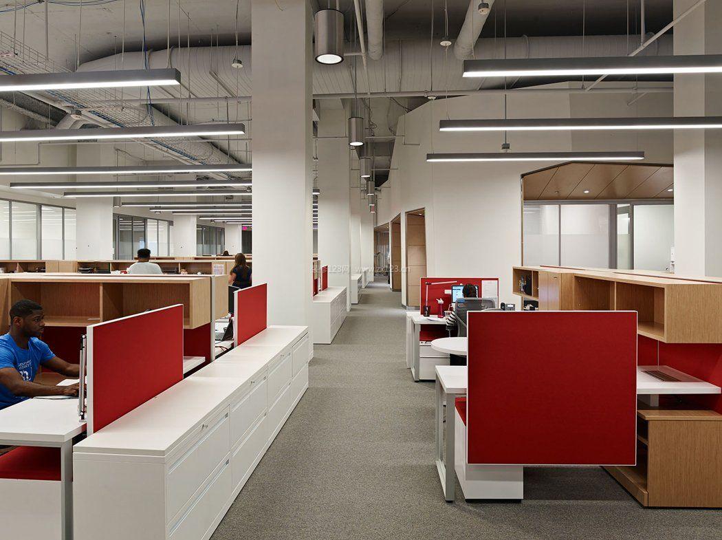 现代办公室装修吊顶装饰效果图