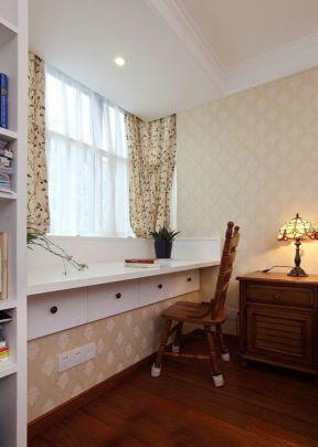 飘窗改书桌 美式简约风格装修图片