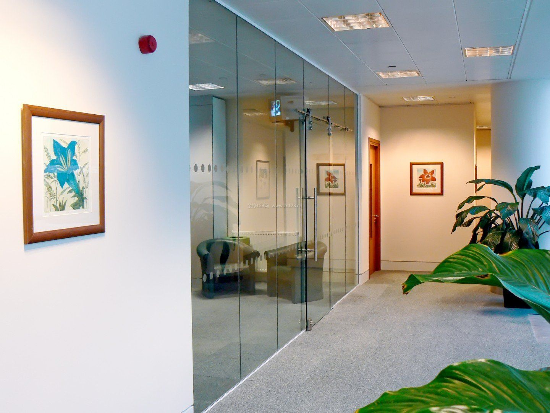 办公室玻璃墙室内装饰设计效果图大全