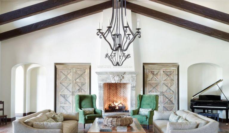 国外别墅室内浅色木地板装修效果图