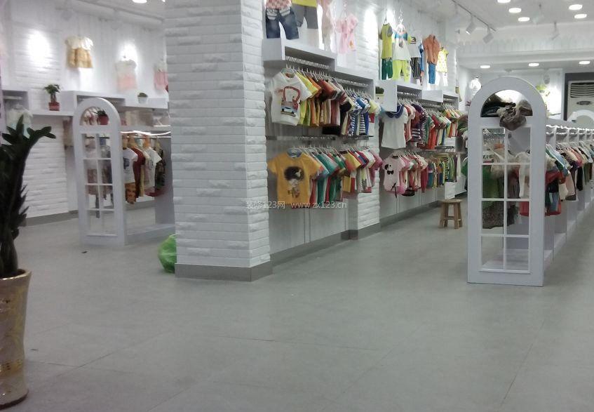现代简约风格童装店装修效果图片