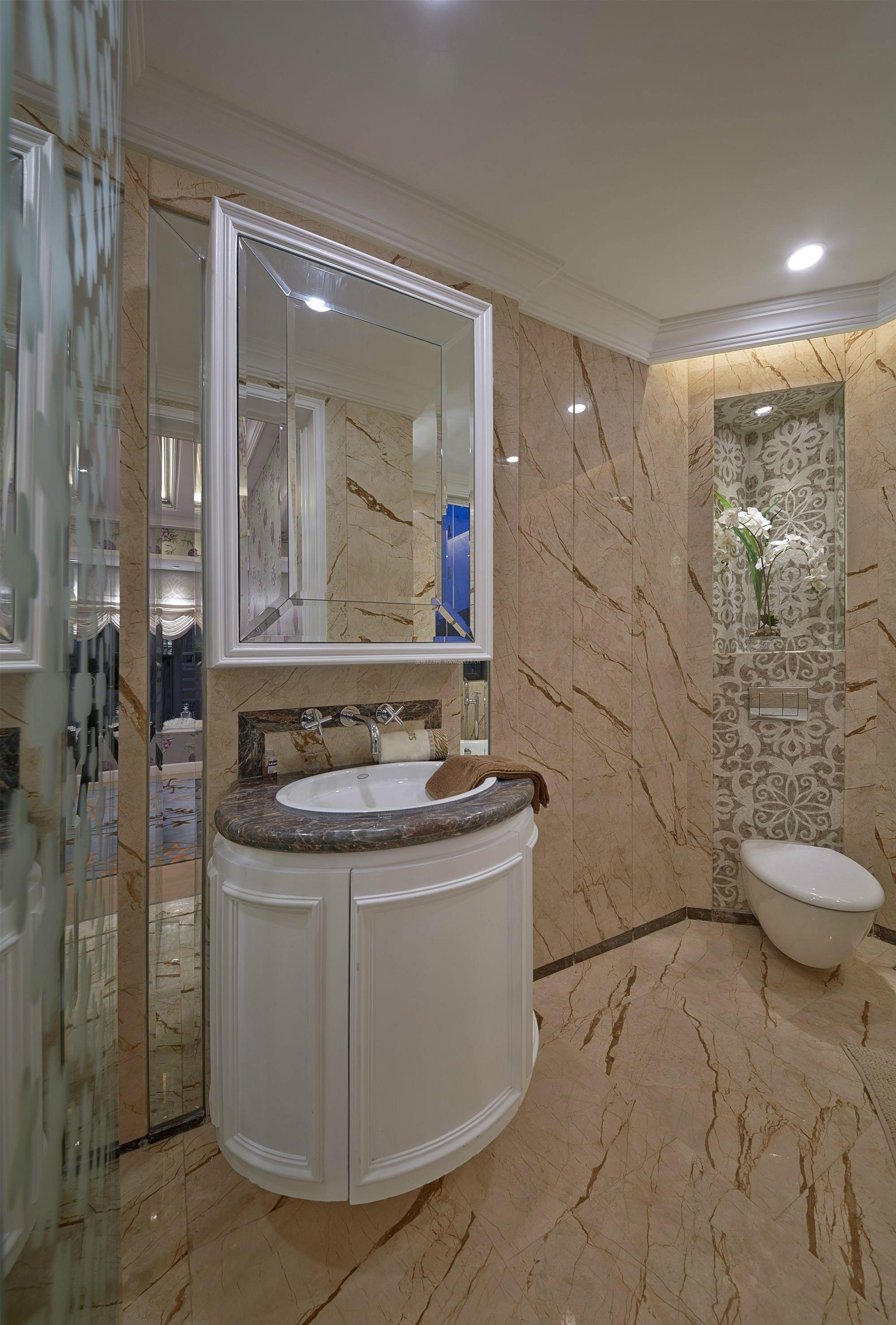 简欧式风格浴室洗脸池装修效果图片