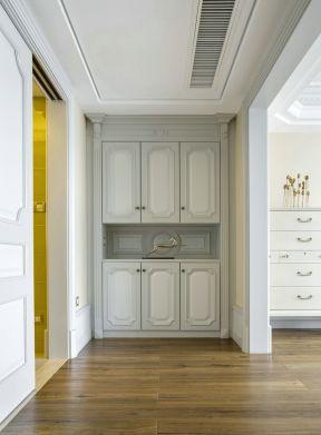 2017欧式小复式设计进门鞋柜效果图
