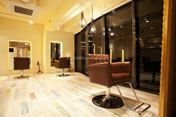 相关推荐 美发店设计要点 美发店装修注意事项 美发店装修 美发店