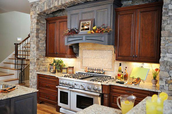 复式小户型装修 复式客厅怎么装修 复式房子装修效果 如何选择复式楼