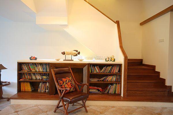 复式楼梯下面空间利用装修设计