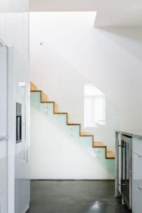 顶楼阁楼楼梯设计图-顶楼阁楼楼梯