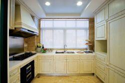 歐式廚房原木櫥柜裝修效果圖片