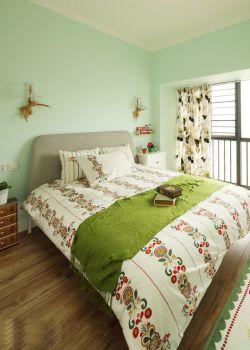 女孩子卧室小房间布置装修效果图片