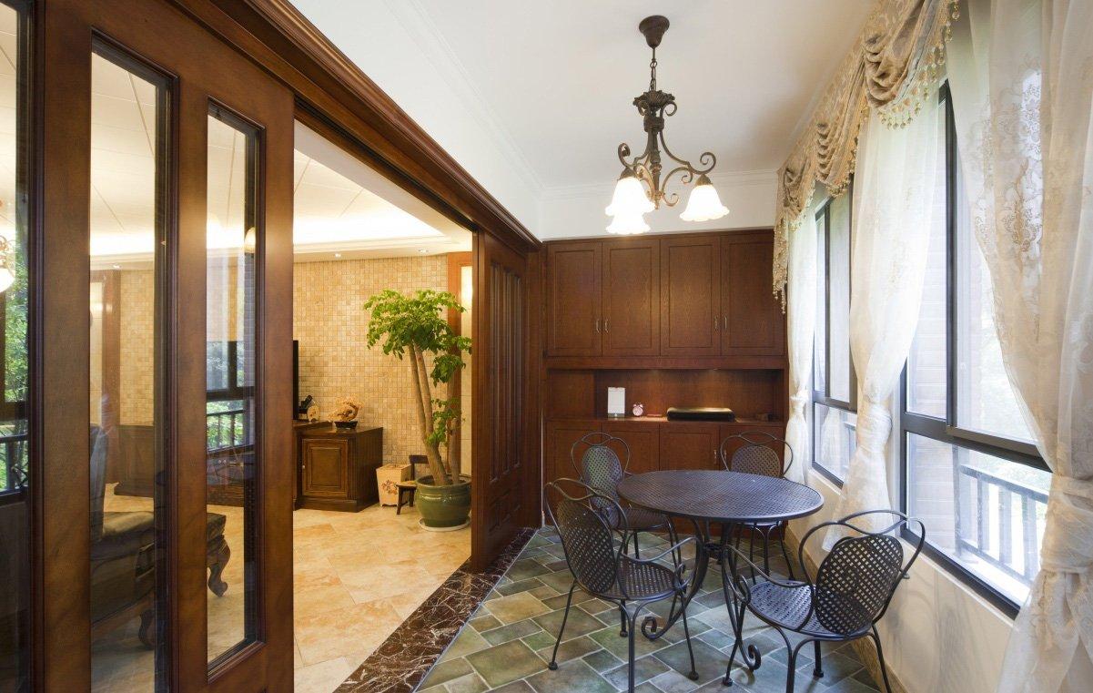 客厅带阳台装修设计装修效果图片