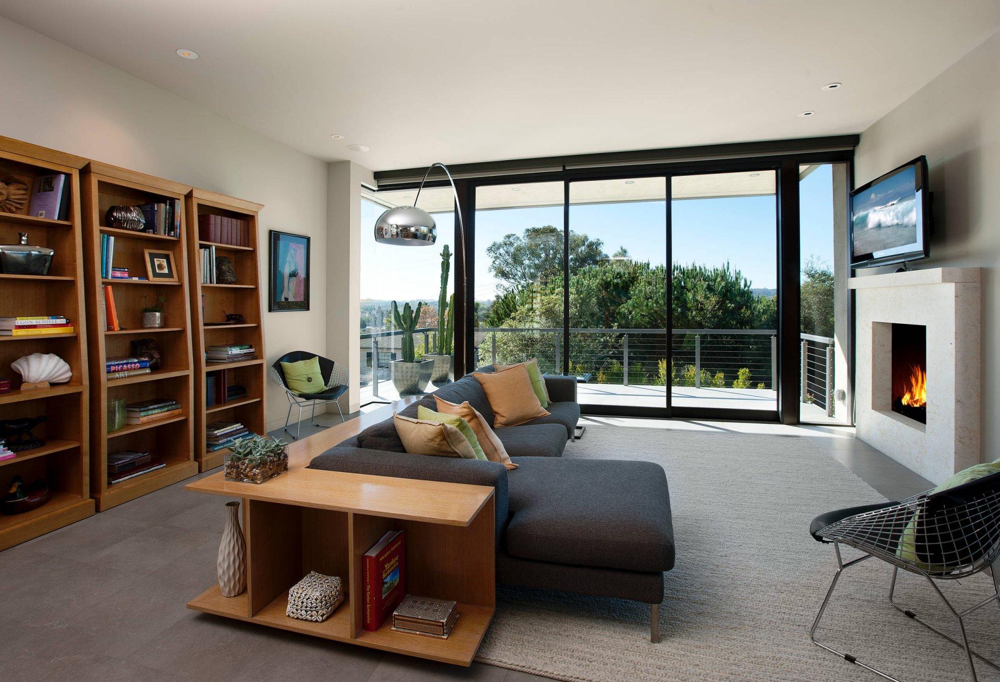 带阳台的客厅转角沙发装修效果图片
