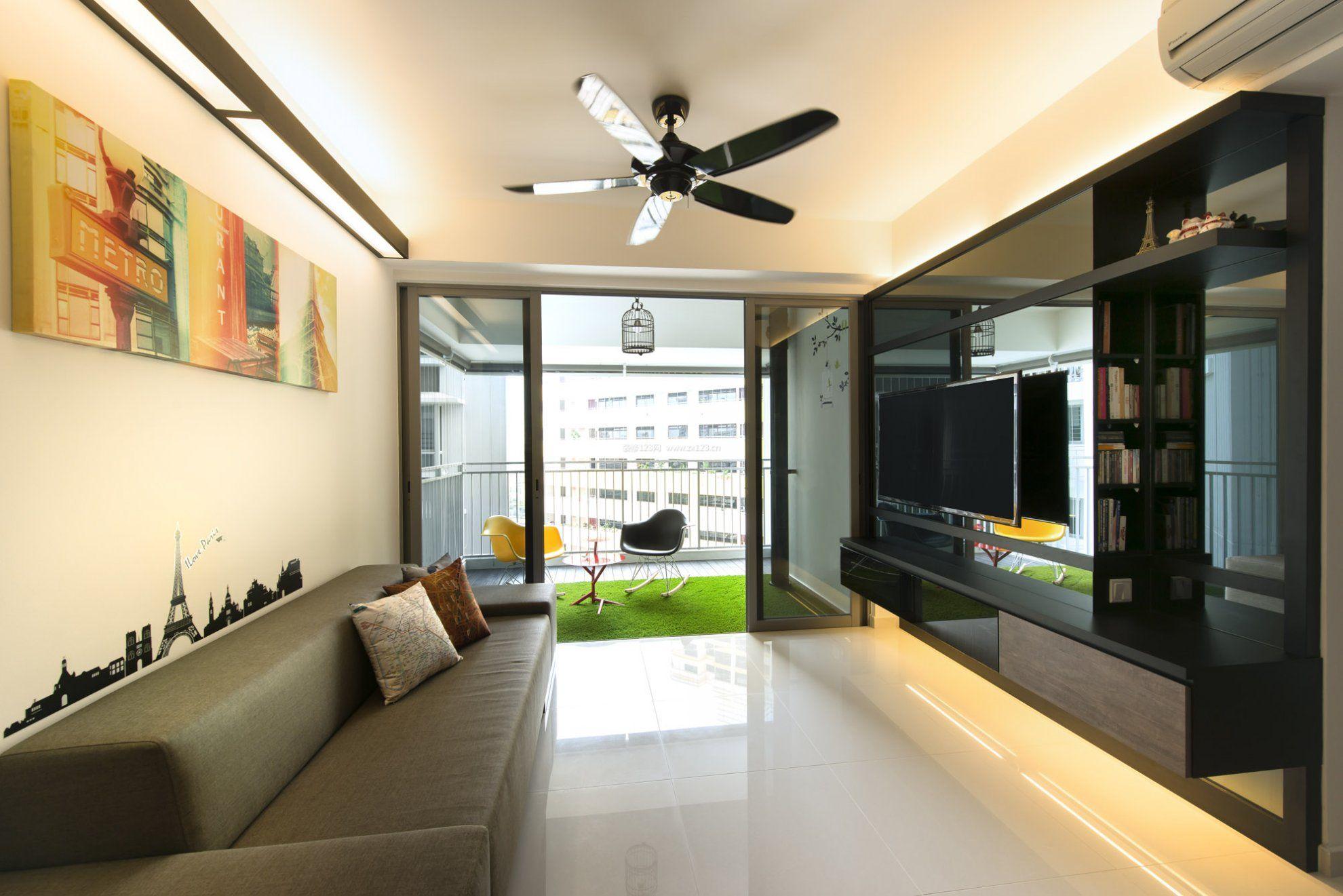 现代风格带阳台的客厅装修设计效果图