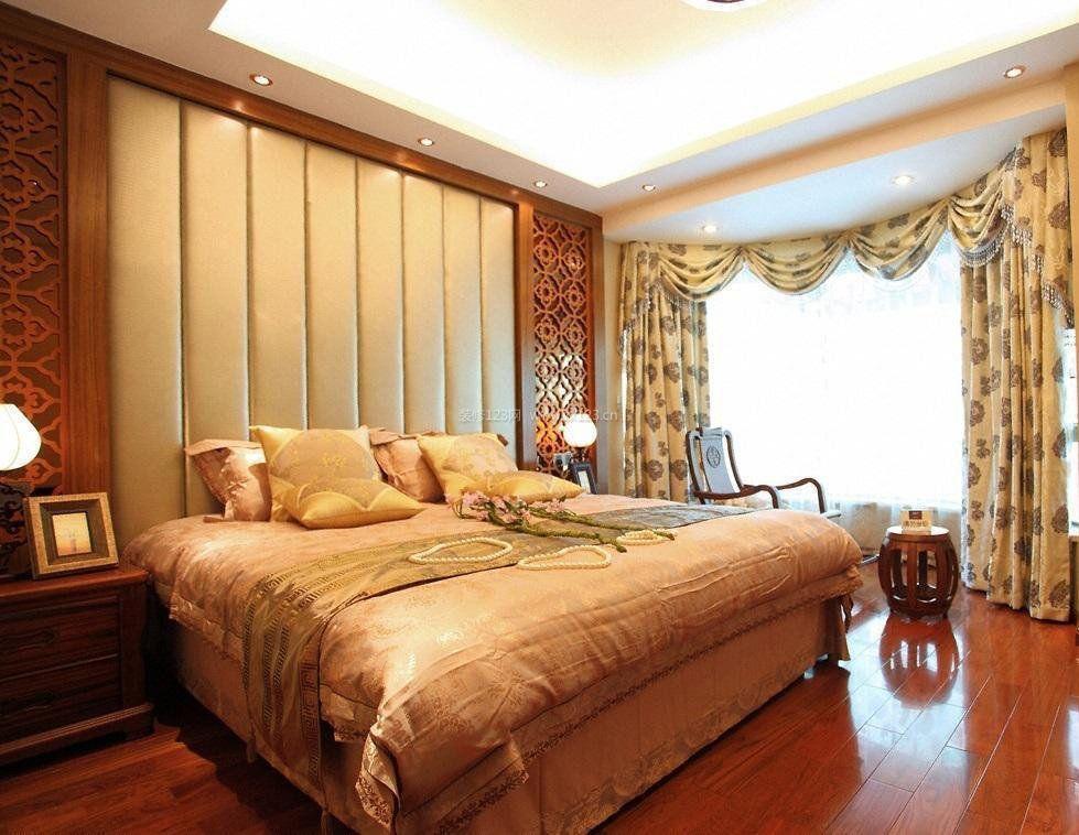 主卧室浅棕色木地板装修效果图片大全