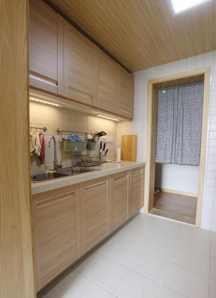 40平米小户型厨房木质吊顶装修效果图片