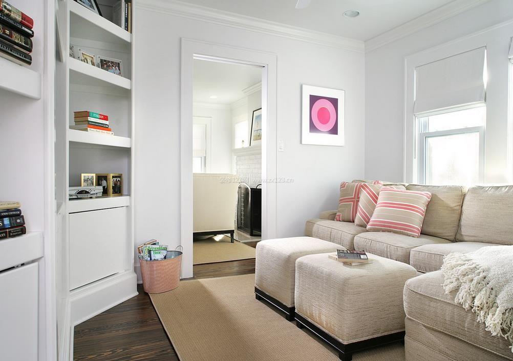 一室一厅小户型不规则客厅装修设计图