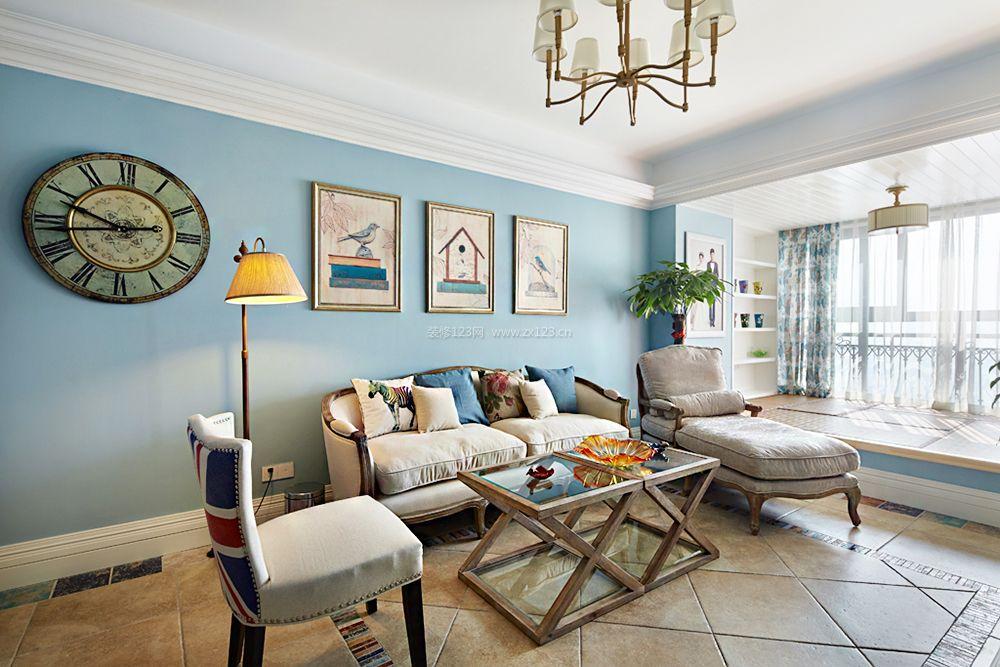 现代风格三居室客厅阳台榻榻米装修效果图现代风格茶几图片