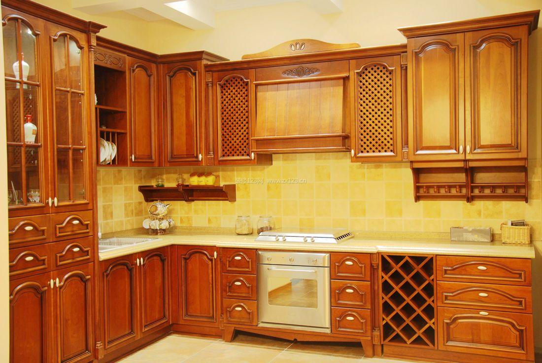 简约中式家装风格厨房吊柜装修效果图