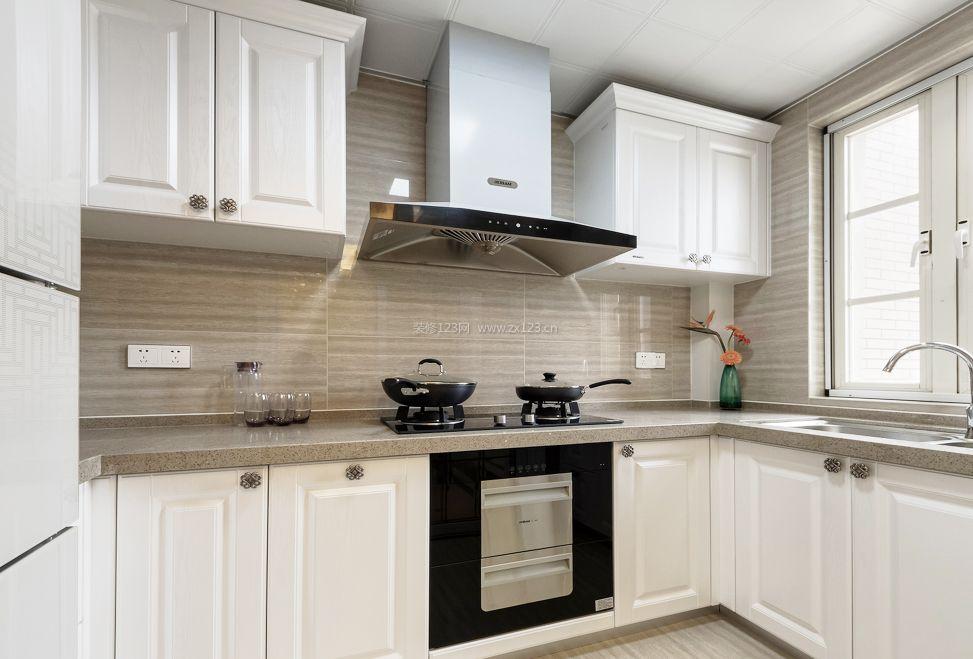 小户型简欧风格厨房白色橱柜装修效果图片