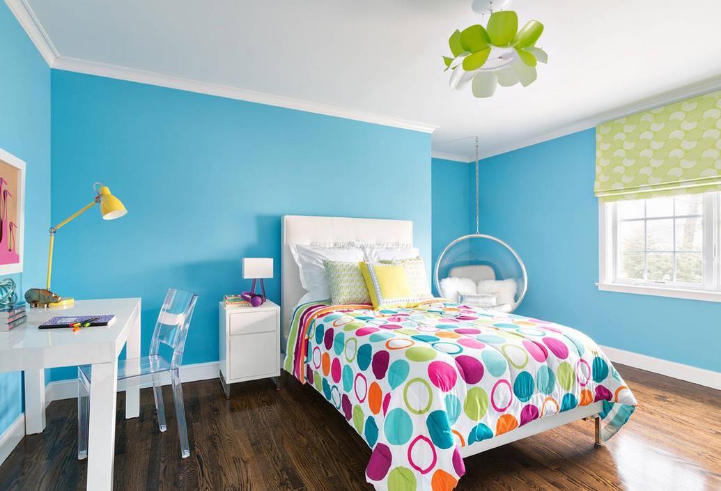 15平米女生卧室蓝色墙面装修效果图片