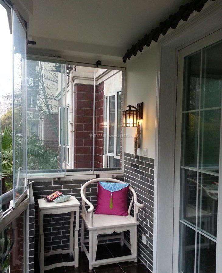 现代中式阳台推拉门隔断装修效果图片