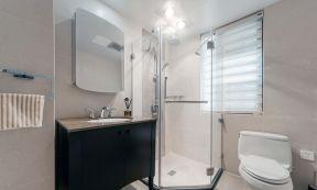 105平米三居室 家庭衛生間裝修圖片