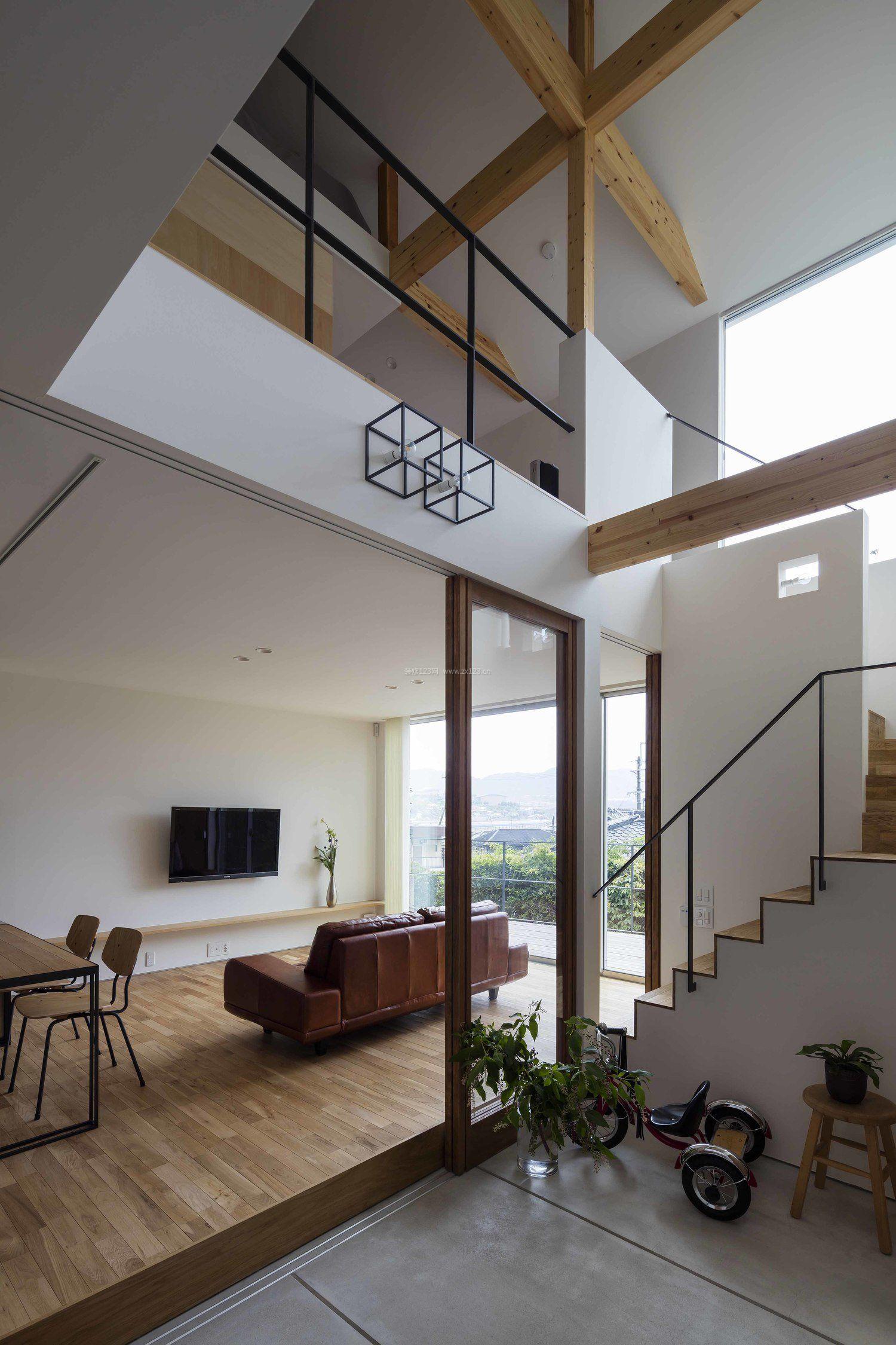 别墅复式楼斜顶阁楼装饰装修效果图片