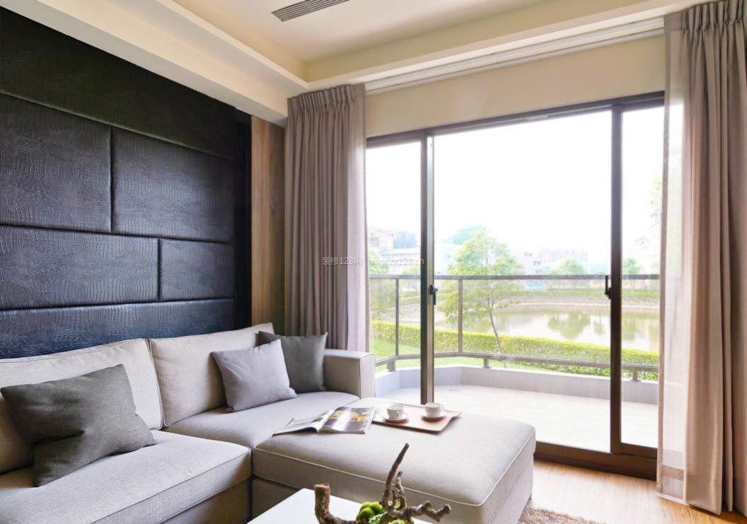 简单客厅装修与阳台隔断设计效果图