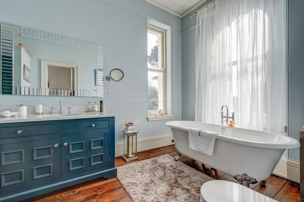 一层半别墅卫生间浴室装修图片大全