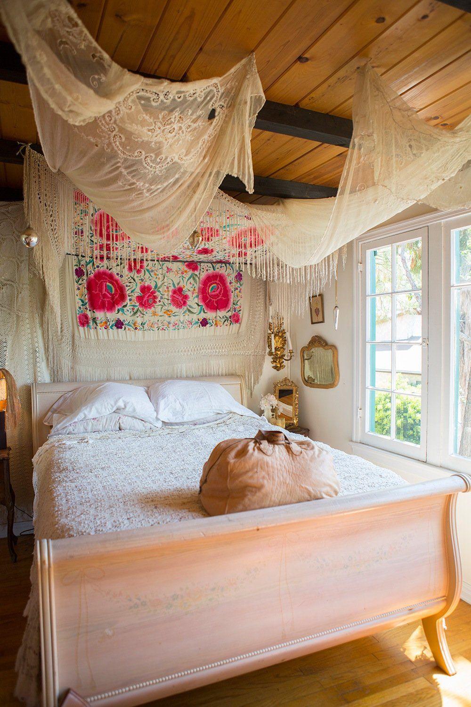 主卧室木质吊顶装修效果图片大全