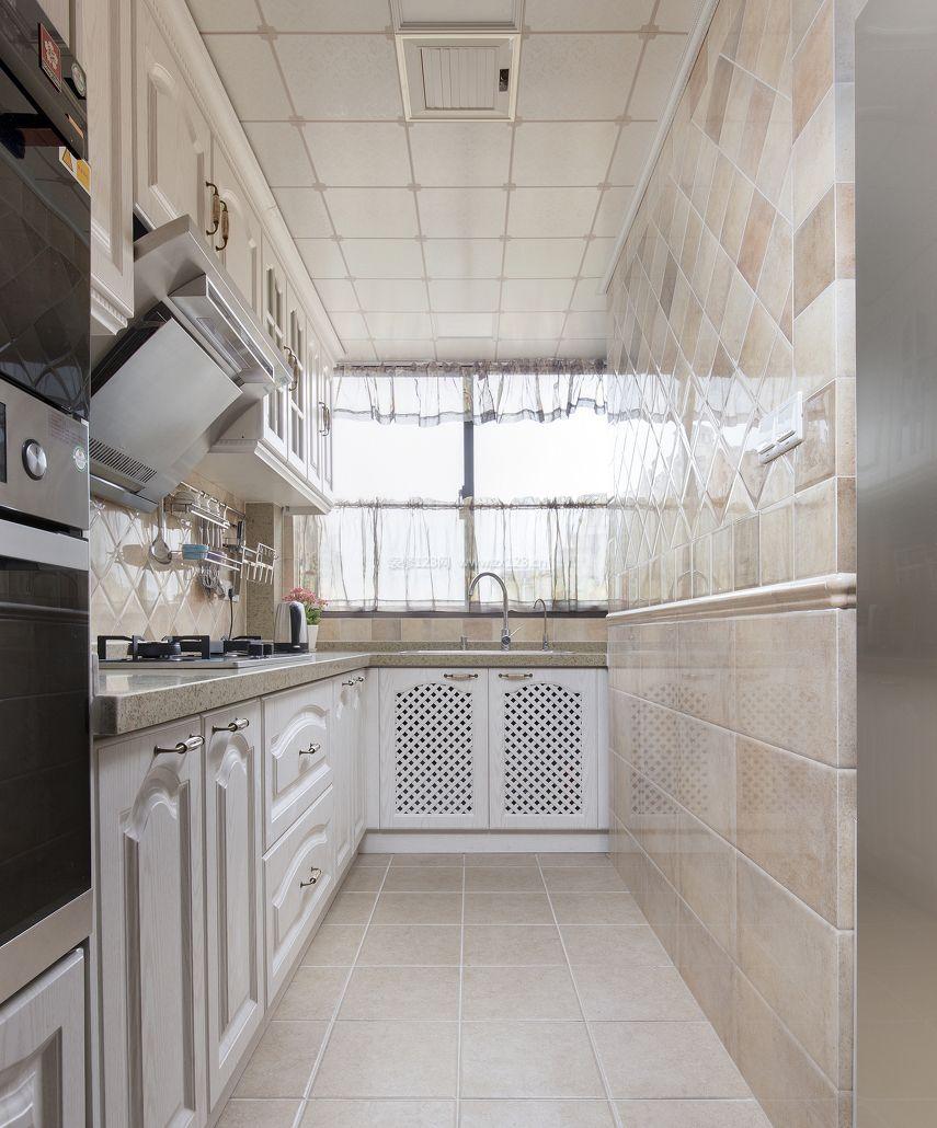 小户型新房厨房瓷砖设计装修效果图