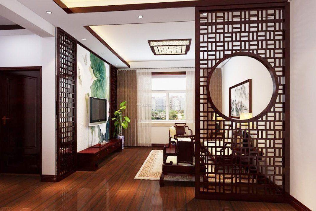 新中式客厅镂空雕花隔断效果图