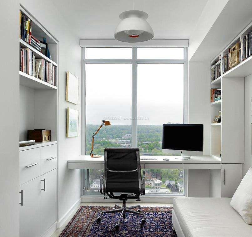 白色简约带阳台书房装修效果图