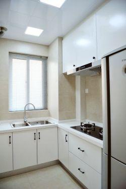 小面积厨房白色橱柜装修效果图片欣赏2017图片