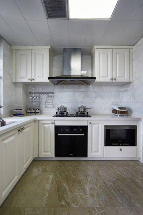 小面积厨房橱柜 白色橱柜装修效果图片