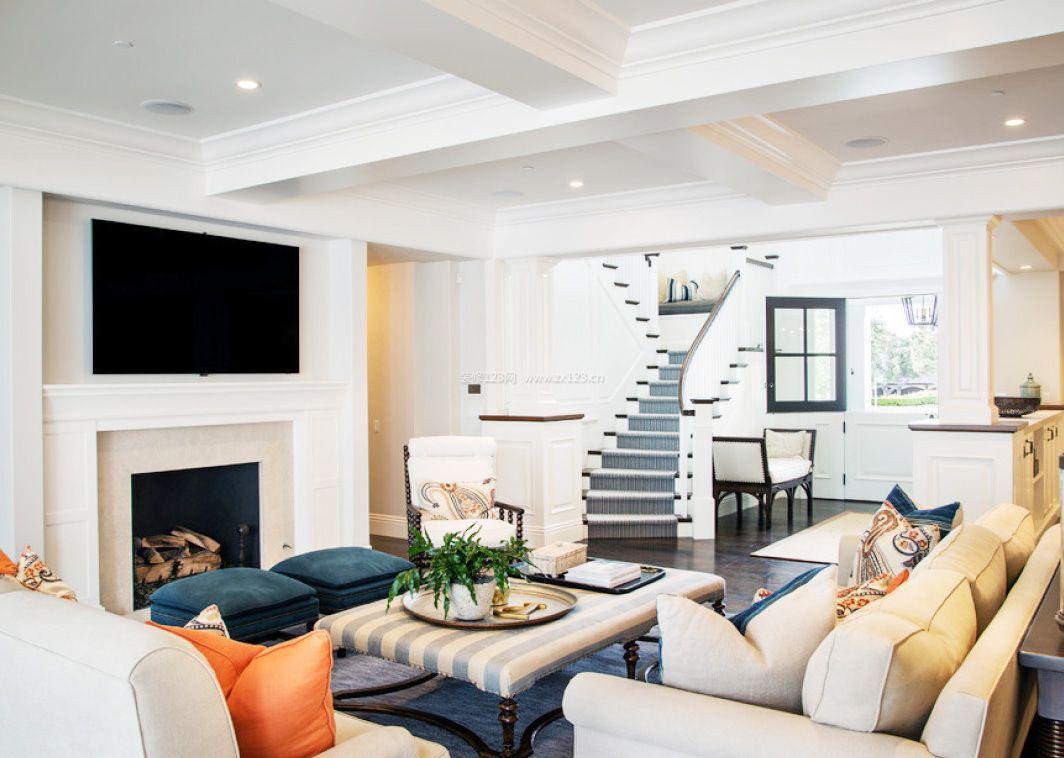 最新美式跃层别墅室内客厅设计图