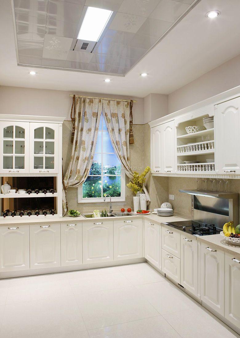 2017欧式别墅厨房铝板吊顶装修效果图片