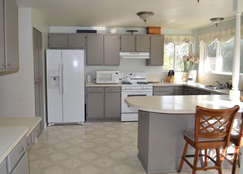 室内现代简约风格厨房柜子