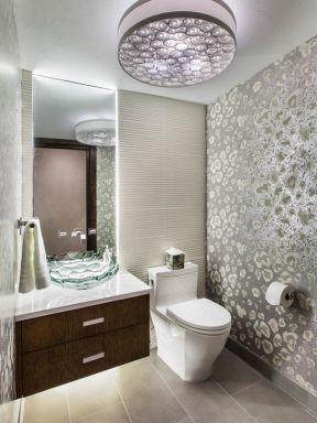 现代家居卫生间装修设计图