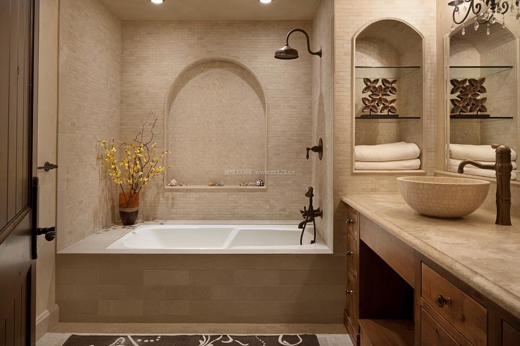 大卫生间大理石包裹浴缸装修效果图片